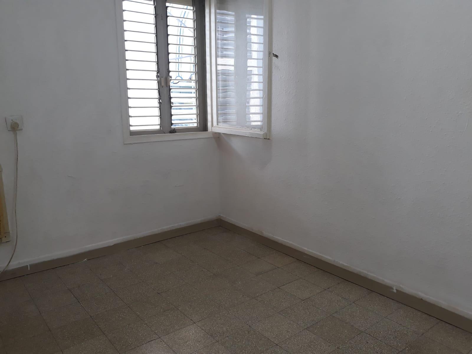 דירה ל מכירה 2 חדרים בפתח תקוה