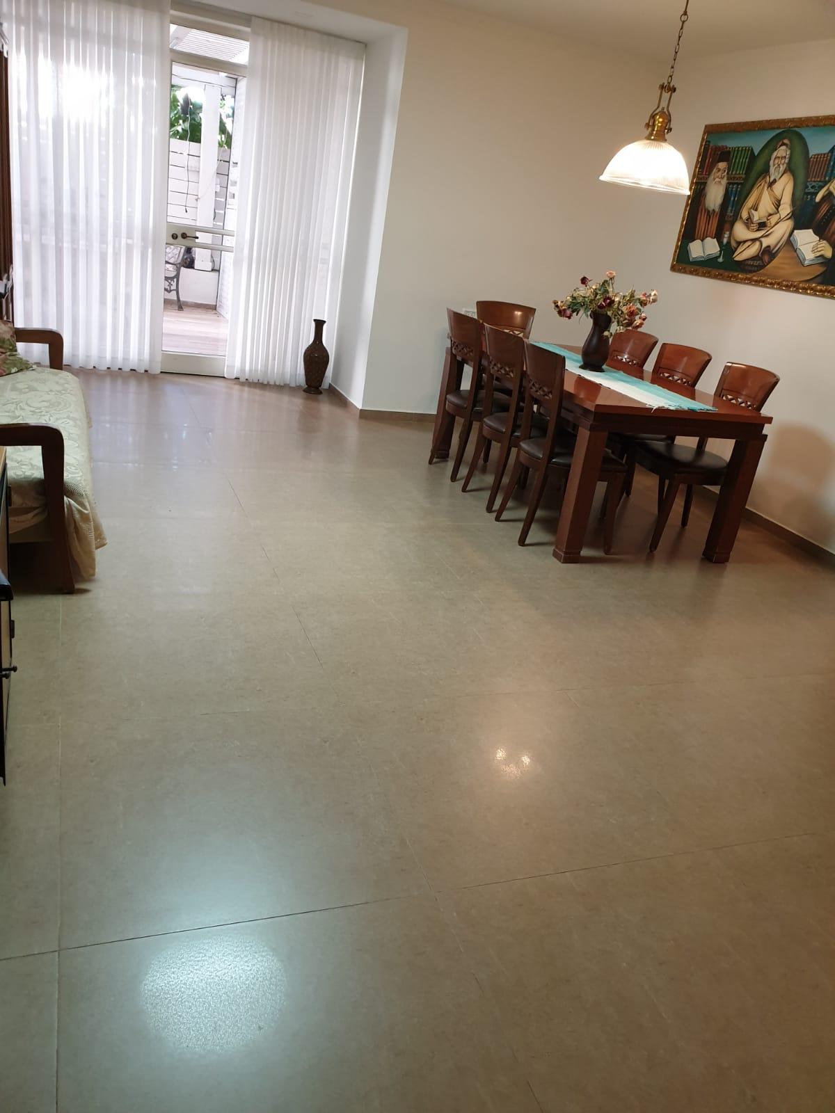 דירת גן ל מכירה 5 חדרים באלעד