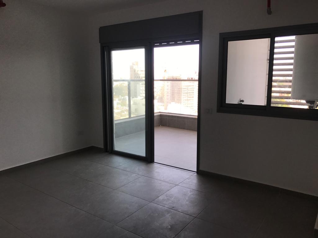 דירה ל מכירה 3.5 חדרים בפתח תקוה